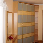 Sliding door wardrobes Folding doors in the hall: bamboo and lacomat